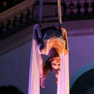 tissu-cirque-deus-spectacle