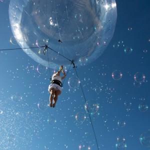 Deus ex machina, Bulle Helium, spectacle de rue _67