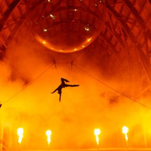 bulle_acrobate_ballon_spectacle_rue (2)